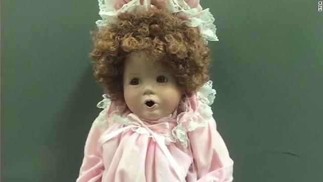pkg porcelain dolls on porches_00002225.jpg