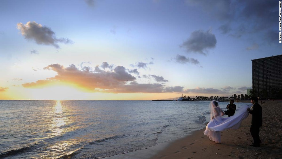 Opted for Hawaii's Waikiki Beach for the wedding? You can stay right where you are for the honeymoon.