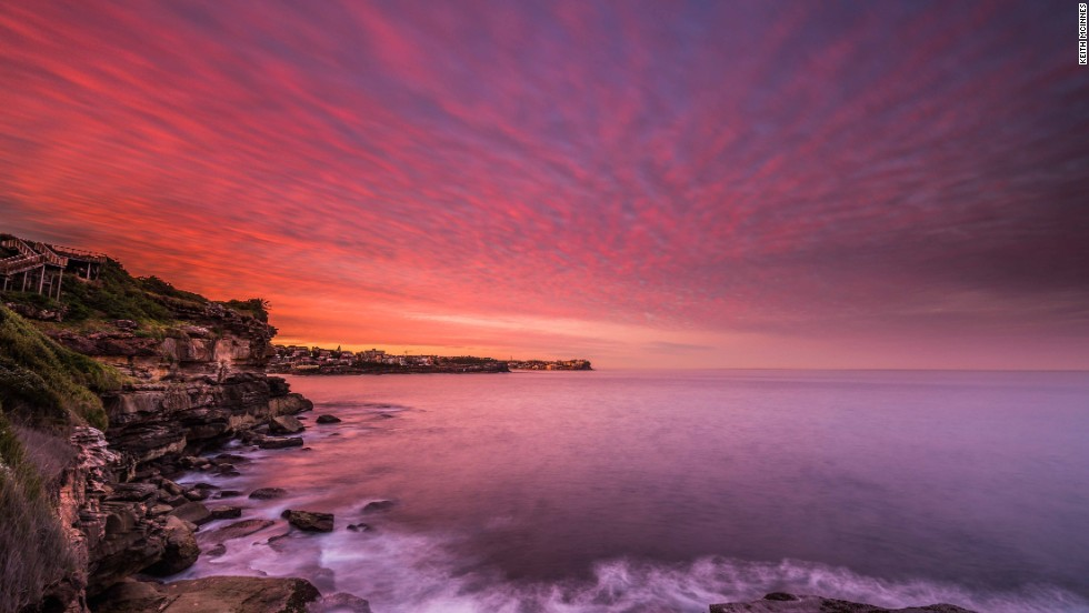 "Though no stranger to pretty sunsets, Sydneysiders went particularly click-happy over this one. <a href=""http://www.mcinnesphotography.com.au"" target=""_blank"">Keith McInnes</a> captured the violet hues reflected in the water."