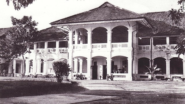 Singapore's Capella hotel once served as the Royal Artillery Officers' Mess, seen here in the 1950s.