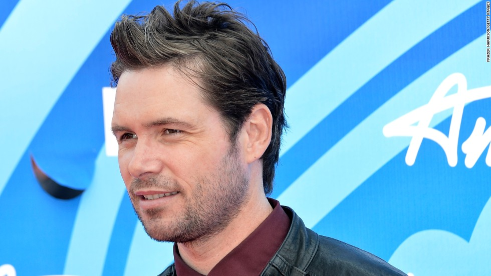 "<a href=""http://www.cnn.com/2014/08/03/showbiz/michael-johns-dead/index.html"">One-time ""American Idol"" finalist Michael Johns</a> died on August 1. According to Entertainment Weekly, the Australian-born singer, who was on the Fox program in 2008, died at the age of 35. <a href=""http://www.hollywoodreporter.com/earshot/american-idol-alum-michael-johns-723030"" target=""_blank"">The Hollywood Reporter said</a> the cause is believed to be a blood clot in his ankle."