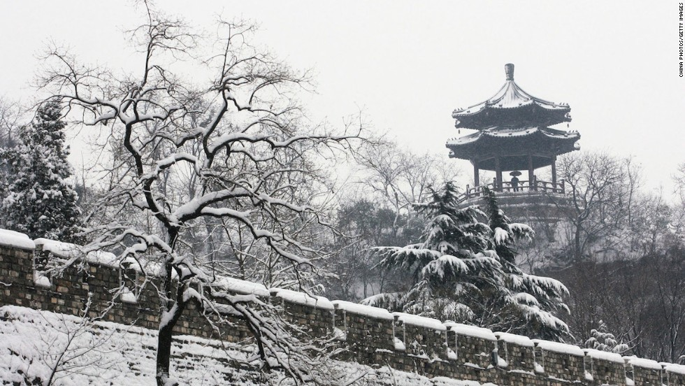 Winter is a photogenic time to visit the Ming City Wall. It's a great place to snap views of surrounding Nanjing coated in a light layer of snow.