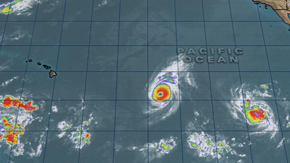2 rare tropical cyclones near Hawaii