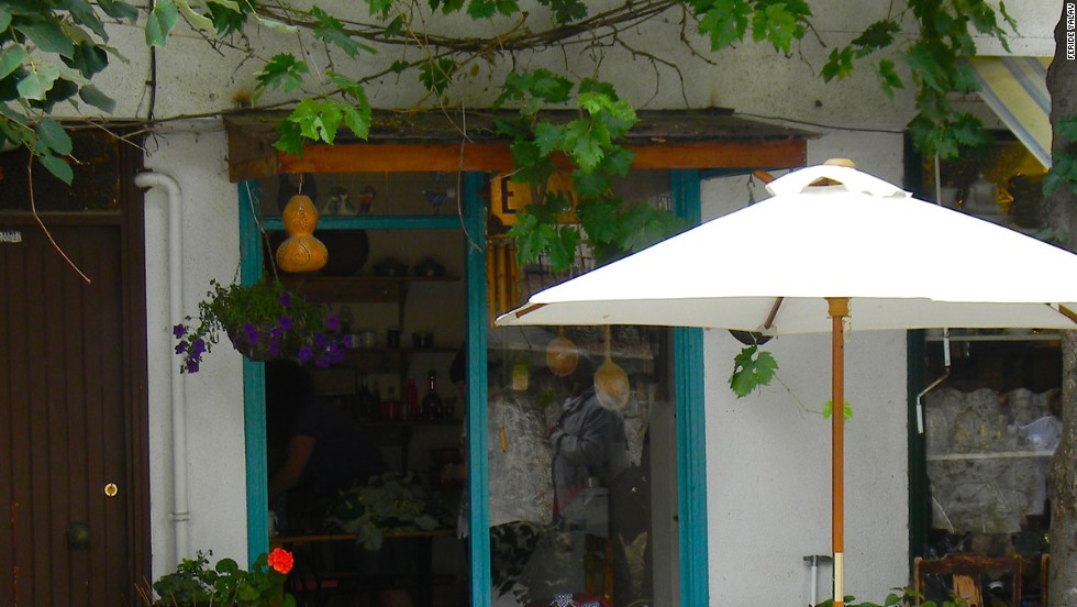 Evden, a store offering more than 70 kinds of jam and marmalade made by the owner, is among shops on Isguzar Sokak,a street on Heybeliada island.