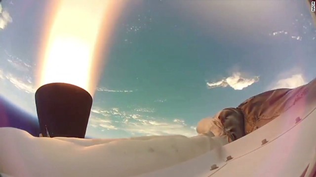 NASA tests supersonic parachute for Mars
