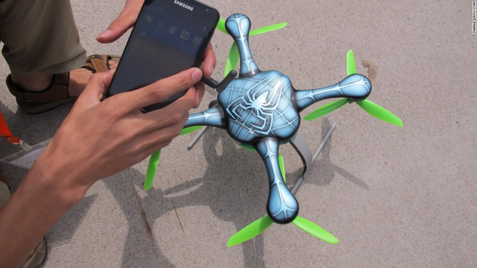 This drone can be controlled with a smartphone using a compatible app, which tells the controller the altitude, speed and battery life.