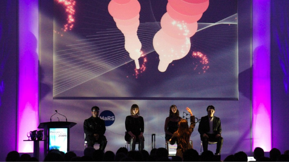 In 2009, InteraXon orchestrated a brainwave-controlled musical and visual performance at the Ontario Premier's Innovation Awards.