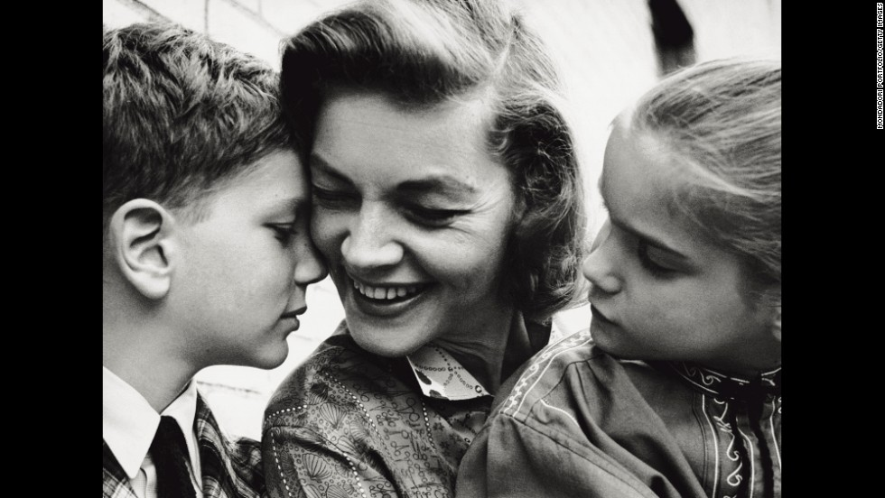 Bacall and her children Leslie and Stephen in New York in 1960.