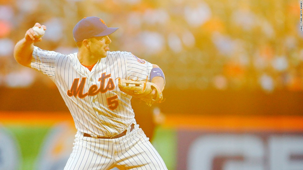 New York Mets third baseman David Wright fields a ball during a home game against Washington on Wednesday, August 13.
