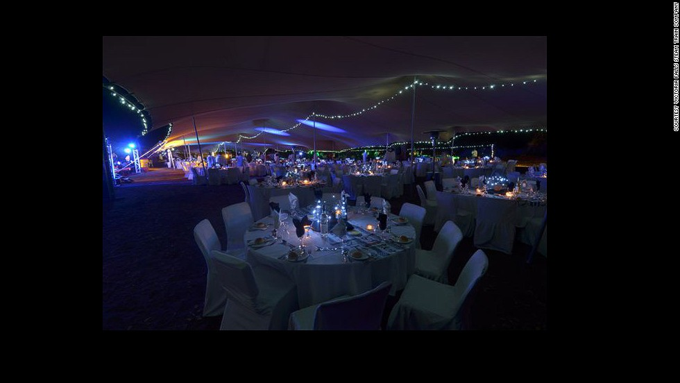 There, passengers are treated to a three-course dinner, champagne and gourmet canapes under the starry sky.