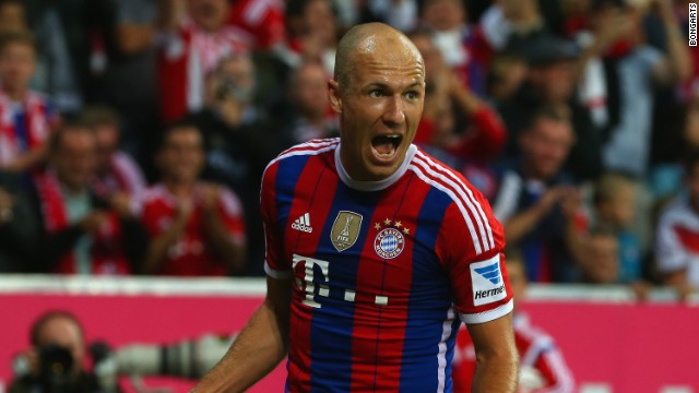Arjen Robben starred as Bayern Munich beat Wolfsburg 2-1.