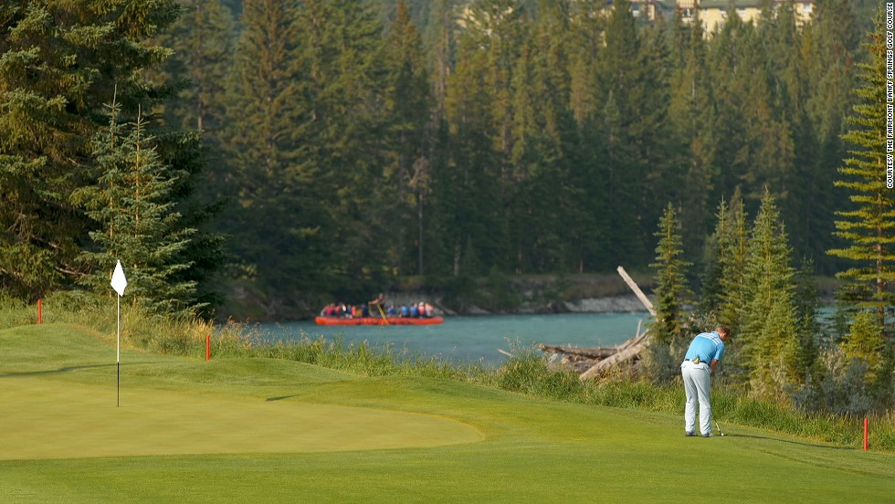 With a judicious use of bunkers and a layout that hugs the winding Bow River, Fairmont Banff Springs Golf Course thrills amateurs and professionals alike.