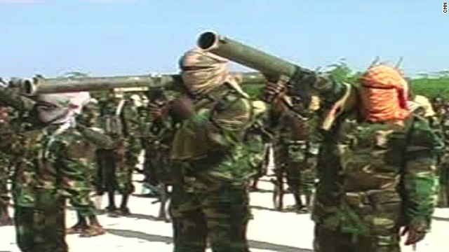 Air strikes target Somali terror group