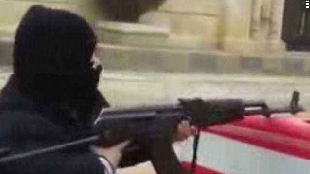 ISIS recruits young children in video