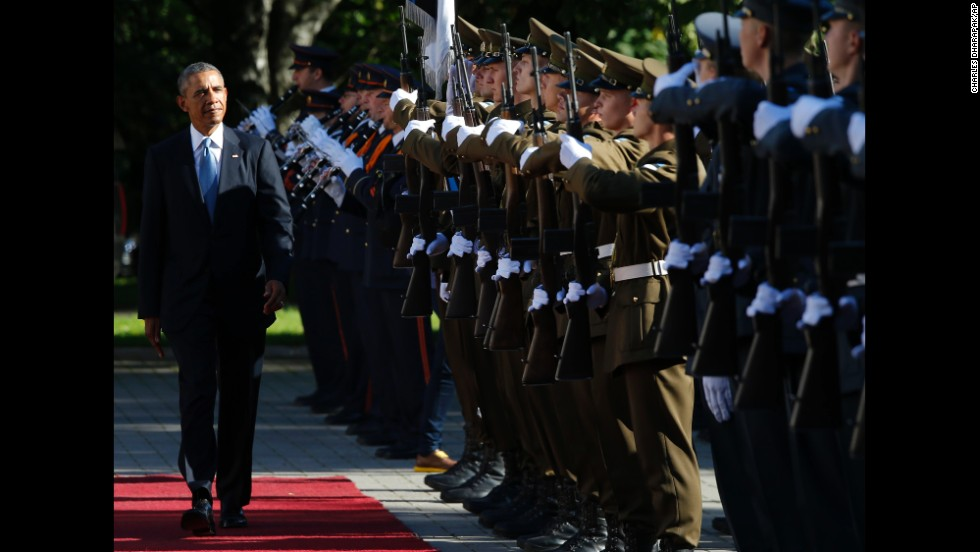 Obama reviews the honor guard during a welcoming ceremony September 3 in Tallinn.