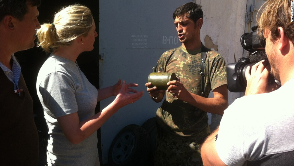 CNN's Diana Magnay interviews a commander of rebel forces -- known as Givi -- in Ilovaisk.
