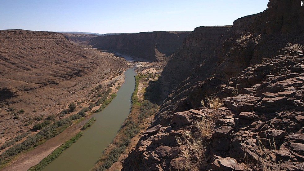 Parts of the Fish River Canyon are 500 million years old. The gorge used to be a huge sea, filled with sediment. As the continents drifted apart, the sediment was pushed up, forming layers.