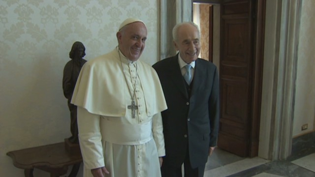 ll gallagher pope peres_00001702.jpg
