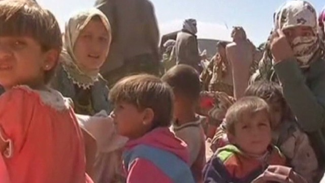 Syrians cross into Turkey to flee ISIS