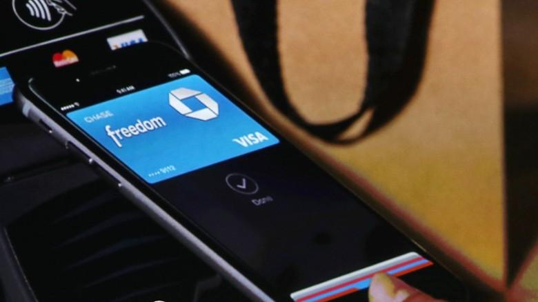 Ladrones usan tarjetas de crédito robadas en el sistema Apple Pay, según informe