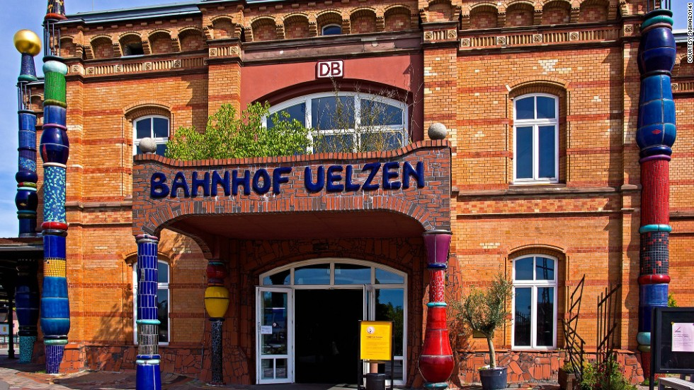 The Hundertwasser Bahnhof train station in the northern German town of Uelzen was redecorated in 2000 by famous Austrian artist and architect Friedensreich Hundertwasser.