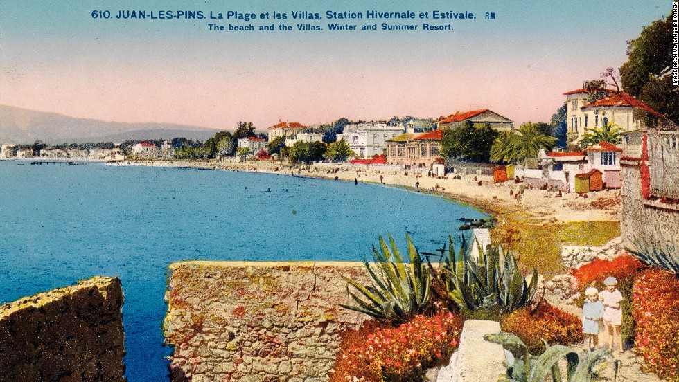 """This colorful card from 1926 is captioned, """"The beach and the villas, winter and summer resort. Nice."""""""