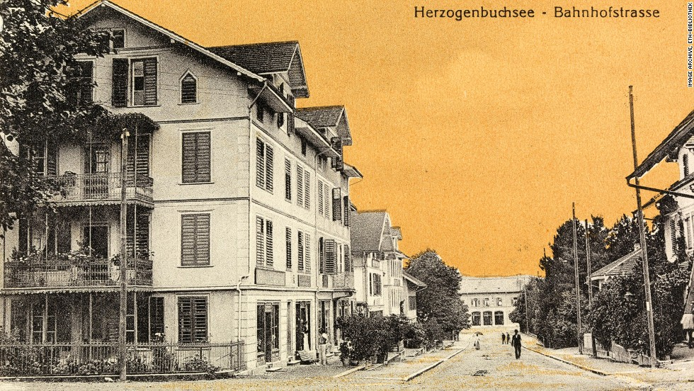 Another Zurich street scene, this one from 1919, with an oddly colored orange sky.