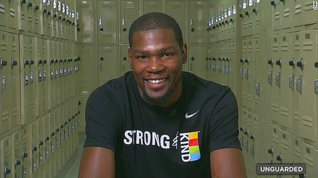 Unguarded Kevin Durant_00034317.jpg