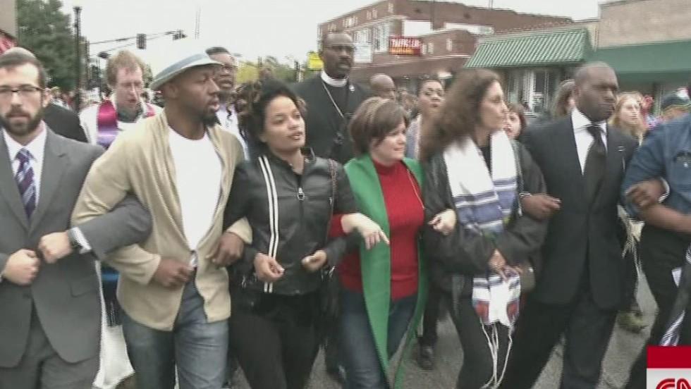 Ferguson braces for grand jury decision