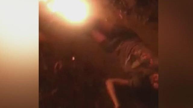va man rescued from burning car _00000607.jpg