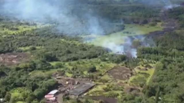 orig chasing the lava in hawaii npr martin savidge_00005005.jpg