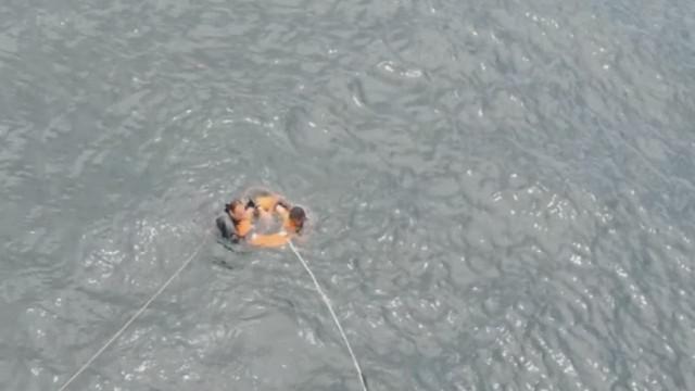 vo colombia fisherman rescued_00002217.jpg
