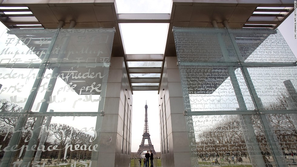 To commemorate loss or to call for peace the peace wall in paris