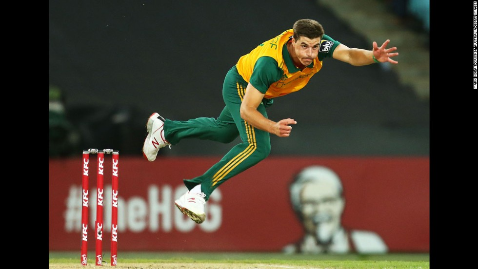 Marchant De Lange of South Africa bowls during Game 3 of the Men's International Twenty20 series between Australia and South Africa at ANZ Stadium in Sydney, Australia, on Sunday, November 9.
