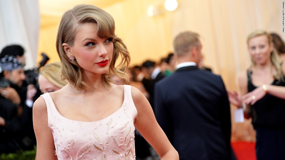 "We could probably dedicate this whole gallery to Taylor Swift, who's known for surprising fans with nice gestures, including gifts <a href=""http://edition.cnn.com/2015/01/01/showbiz/celebrity-news-gossip/feat-taylor-swift-end-of-year-video/"">for what fans call ""Swiftmas.""</a> She<a href=""http://www.people.com/article/taylor-swift-sends-fan-1989-check-student-loans"" target=""_blank""> </a>most recently donated $50,000 toward her backup dancer's young nephew, who has cancer."