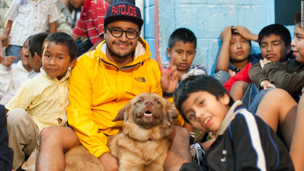 While working as a teacher in Guatemala, Juan Pablo Romero Fuentes saw his students struggling with drugs and gangs -- issues that his own generation faced as well. So at 23, he turned part of his family's home into a community center and started Los Patojos, a nonprofit that has become a haven for young people.