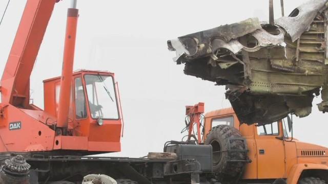 exp MH17 debris being removed from Eastern Ukraine_00002001.jpg