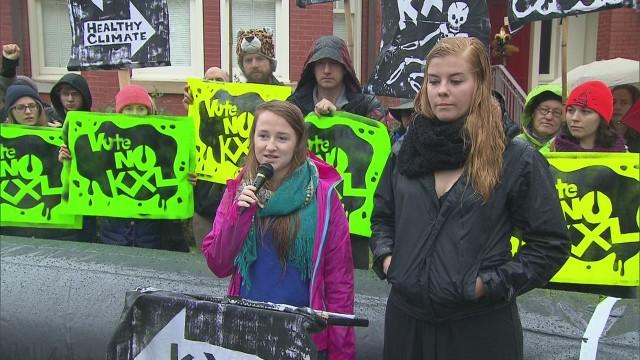 Keystone protest on Sen. Landrieu's yard
