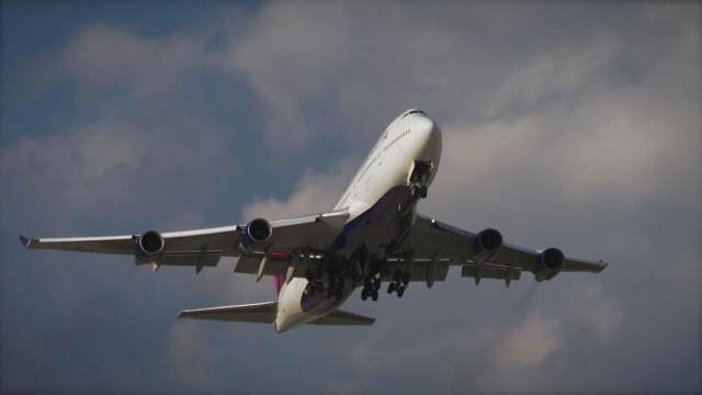 Cops: Delta worker smuggled guns on planes