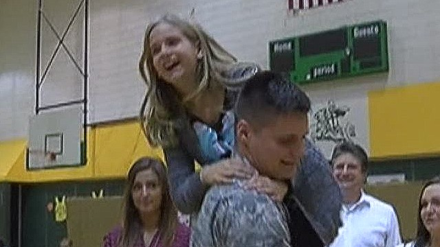 in dnt soldier surprises sister at school _00014501.jpg