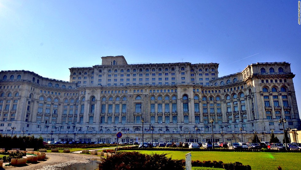 Palace of the damned dictator the ceausescu trail - Houses romanias political leaders ...