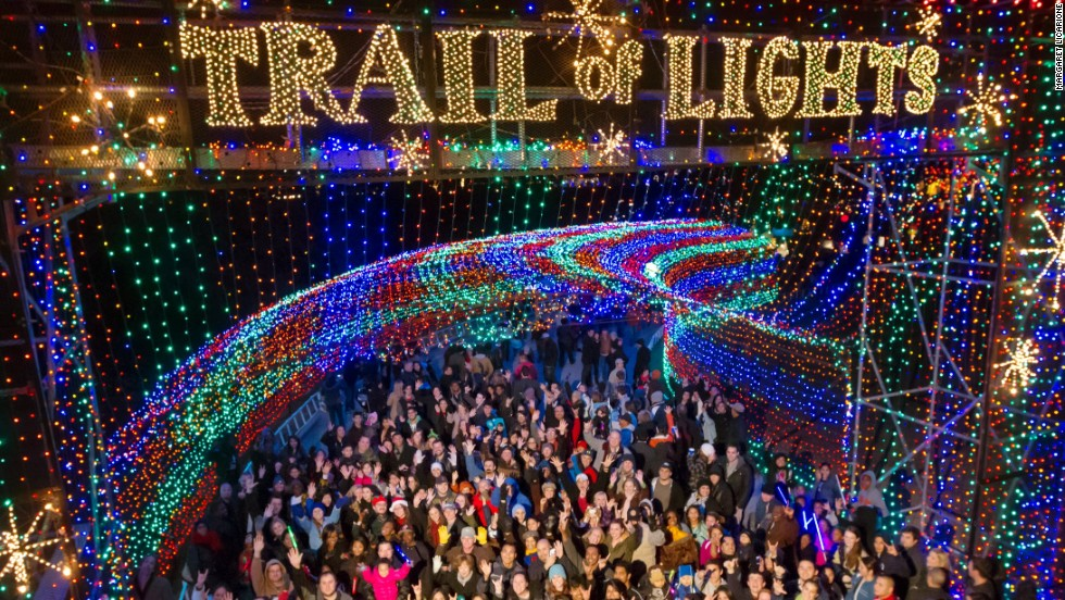 Best places to see christmas lights in the u s for Best places to go for christmas in the usa