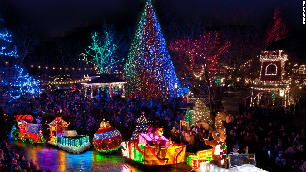 Best places to see christmas lights in the u s Best places to visit for christmas in usa
