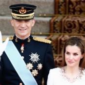 23 World Monarchies