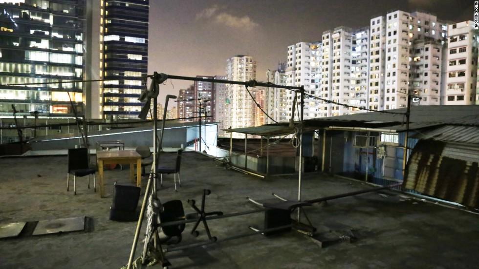 Hong Kong S Sky Slums Highlight Wealth Gap Cnn Com