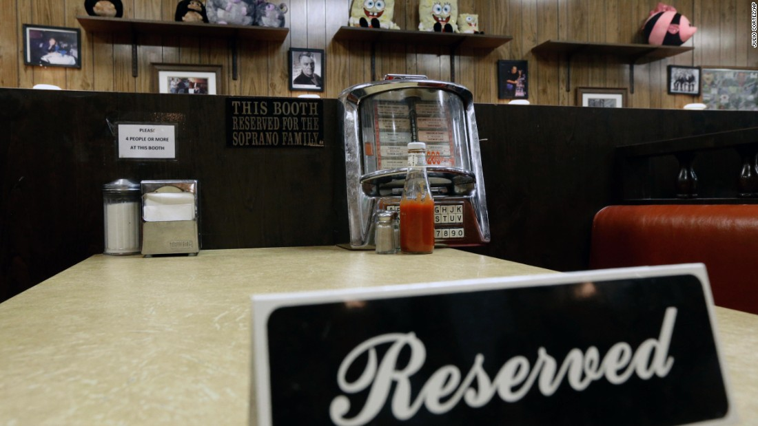 """Holsten's honored the late actor James Gandolfini by reserving the booth where he filmed his last """"Sopranos"""" scene."""
