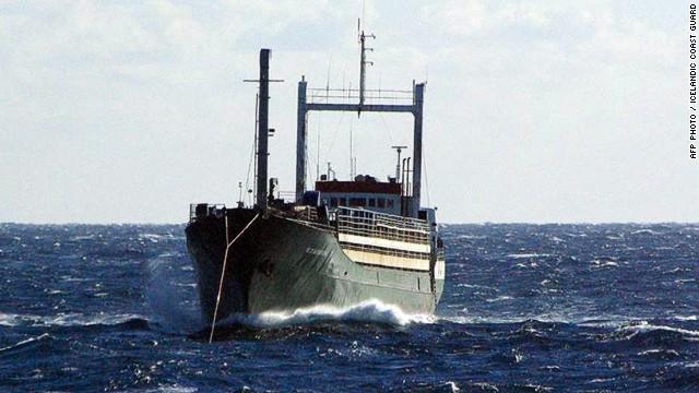Alrededor de 300 inmigrantes habrían muerto en el mar Mediterráneo