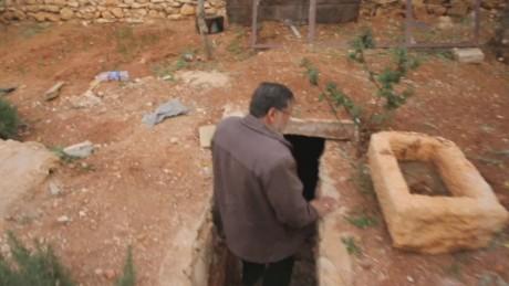 orig Aleppo's underground doctor and artist_00000427.jpg