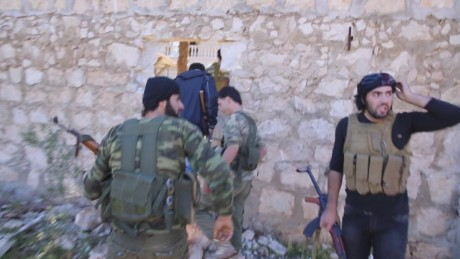orig On the front lines in Aleppo_00004017.jpg