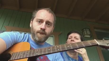 exp raley sings mom song_00000105.jpg